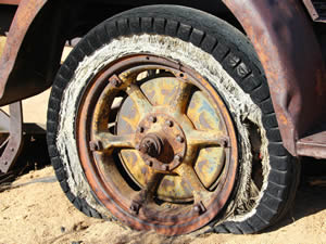 abandoned-automobile-broken-53161